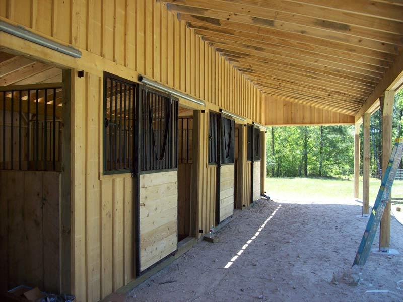 10 39 portable horse barns shedrow barns deer creek for Cypress siding cost